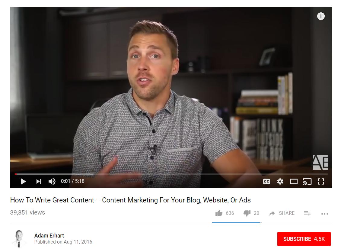 Vea el ejemplo aún del gurú del marketing Adam Erhart a continuación.
